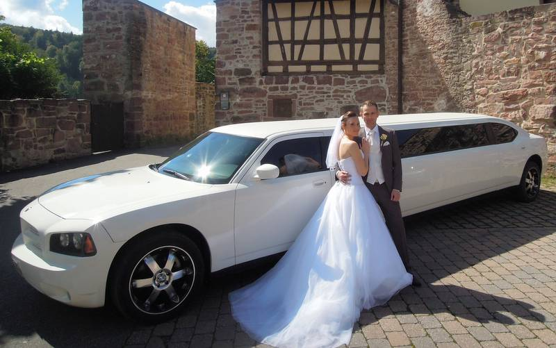 800 limousine hochzeit 03 limousine stretchlimousine mieten in stuttgart. Black Bedroom Furniture Sets. Home Design Ideas