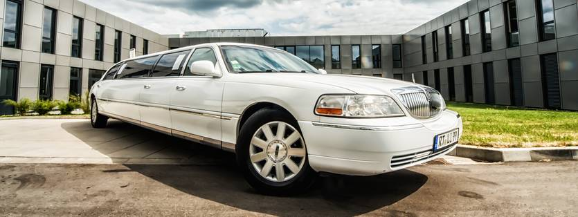 Stretchlimousine Lincoln in weiss